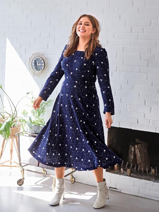 Сукня відрізна зі зборками на рукавах