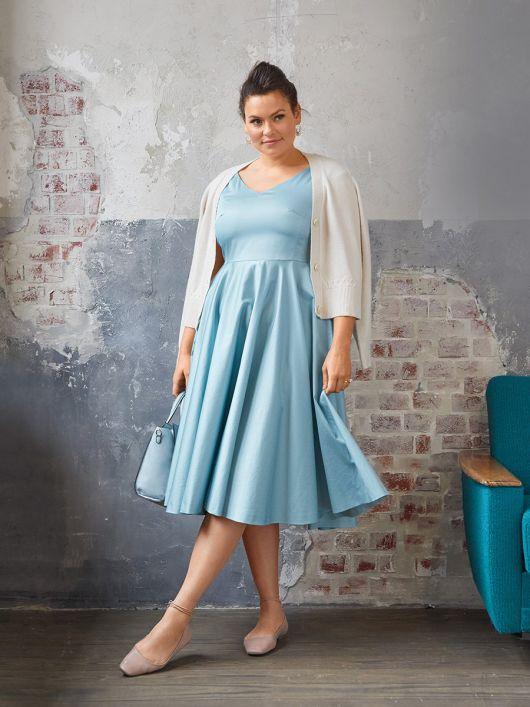 Платье отрезное с широкой юбкой