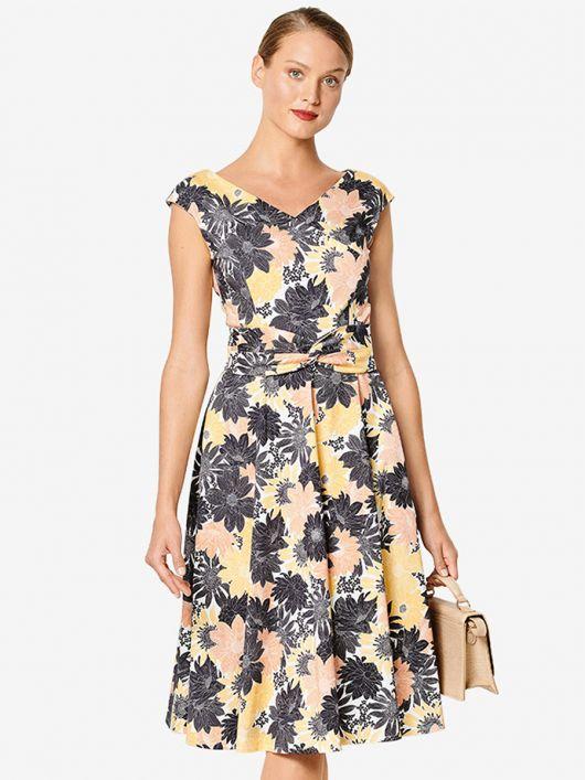 Сукня відрізна з фігурним поясом