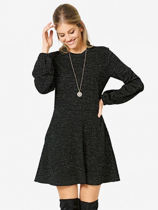 Платье трикотажное с мини-юбкой