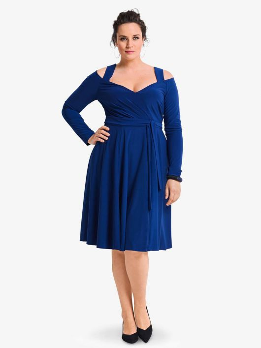 Сукня відрізна з широкими бретелями