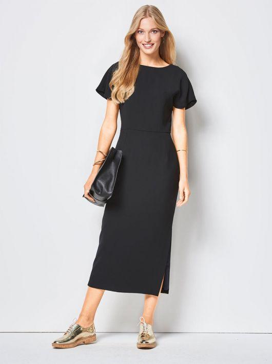 Сукня відрізна з глибоким вирізом на спинці