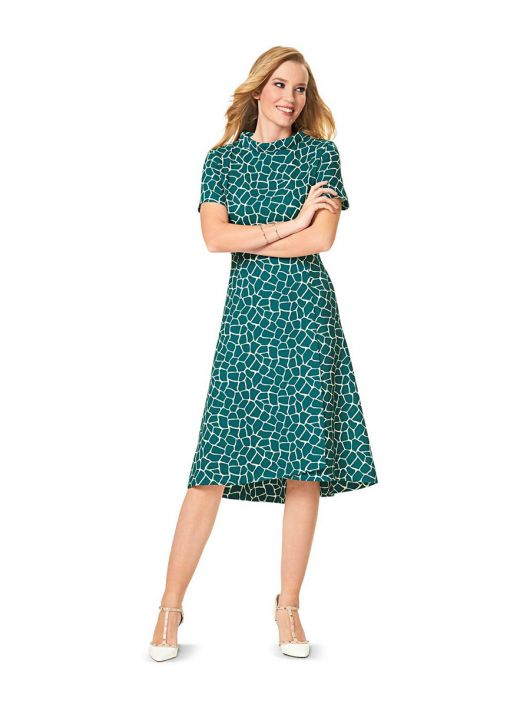 Сукня відрізна з широким коміром-стойкою