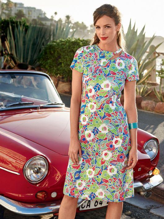 Сукня приталена з асиметричною деталлю на ліфі