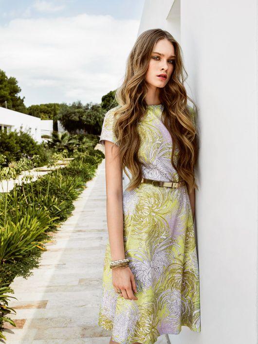 Сукня з короткими рукавами реглан