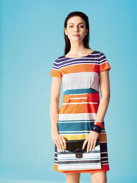 Сукня відрізна по талії з кишенями