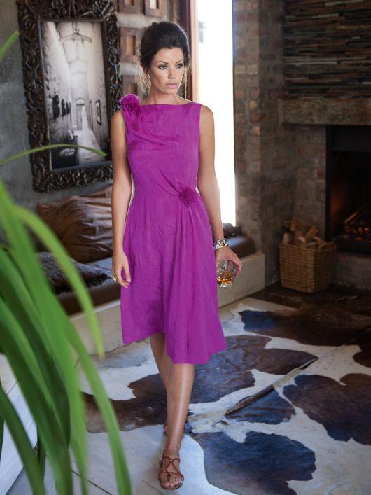 Сукня відрізна по талії з косими складками