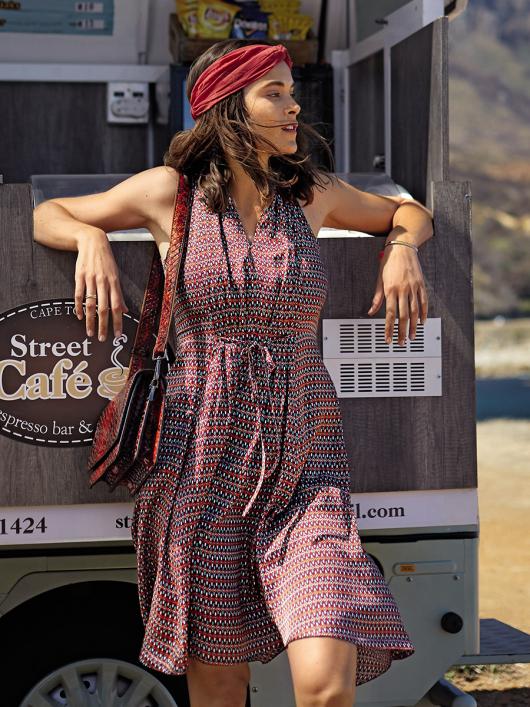 Сукня відрізна з американською проймою