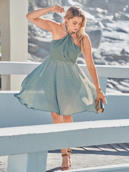 Сукня з пишною спідницею у стилі 50-х
