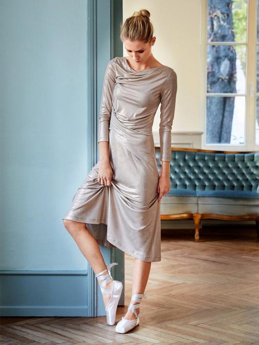 Сукня відрізна з драпіровками