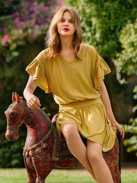 Сукня міні із заниженою талією і оборками