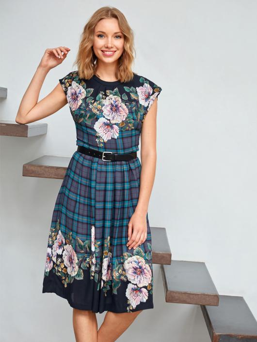 Сукня відрізна з приспущеними плечима