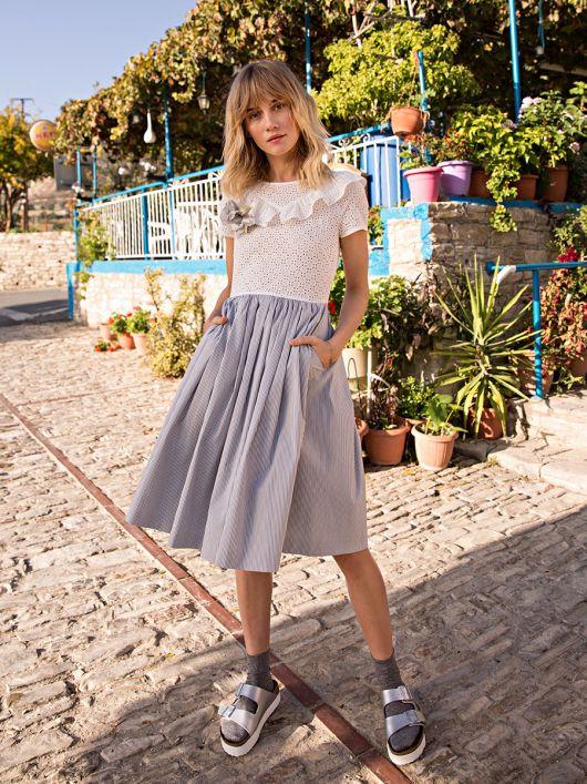 Сукня відрізна з пишною спідницею