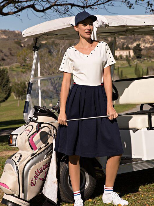 Сукня з пишною спідницею і V-подібними вирізами