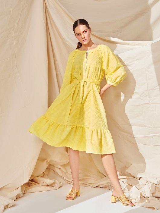 Сукня широкого крою з об'ємними рукавами