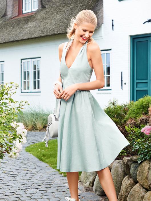Сукня з відкритою спиною в стилі нью-лук