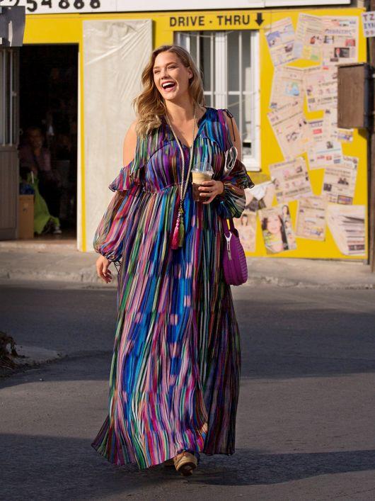 Сукня-максі з відкритими плечима