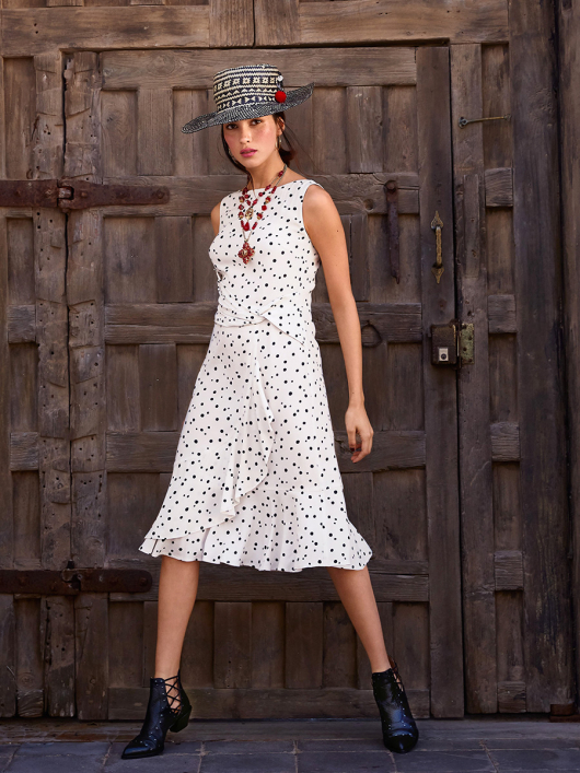 Сукня відрізна з воланами і драпіровкою