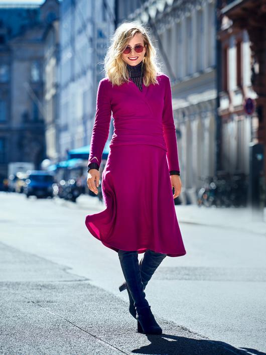 Сукня трикотажна з драпіровкою на кокетці