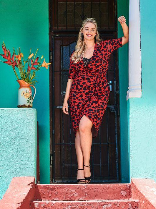 Сукня трикотажна з асиметричним низом
