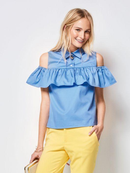 Блуза з оборкою на відкритих плечах