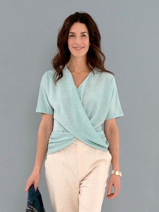 Блузка-топ з оригінальними драпіровками