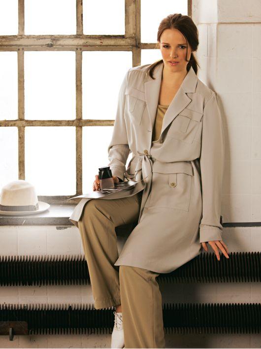Пальто коротке в стилі тренчкота