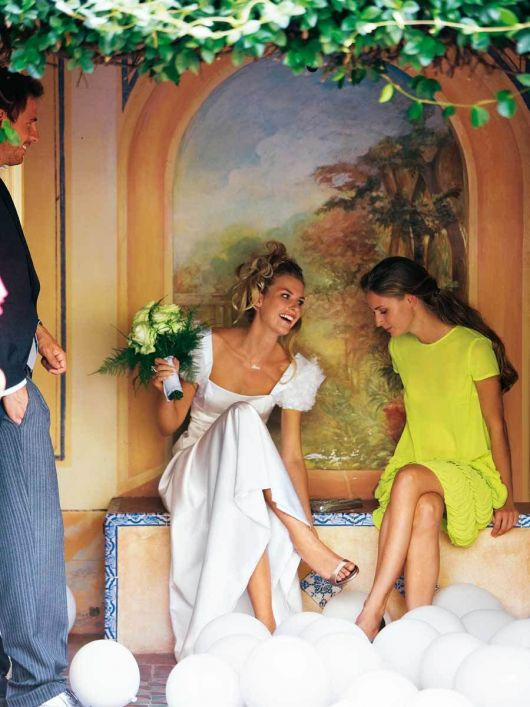Сукня весільна силуету ампір