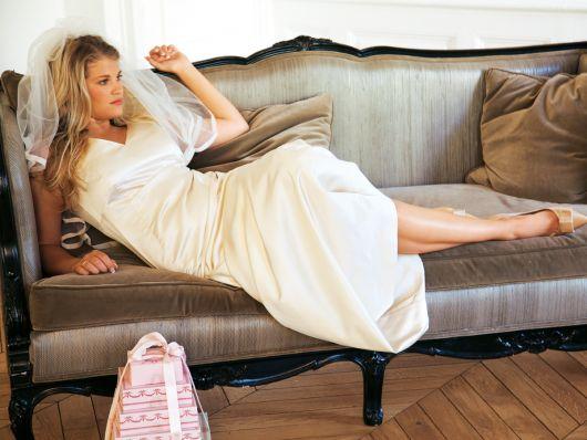 Сукня довга весільна приталеного силуету
