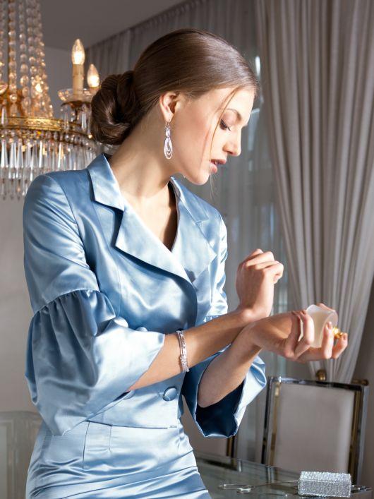 Жакет короткий двобортний з оборками на рукавах