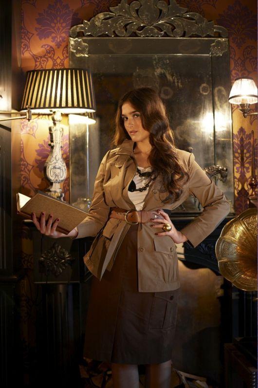 Жакет з кишенями-портфелями в стилі сафарі