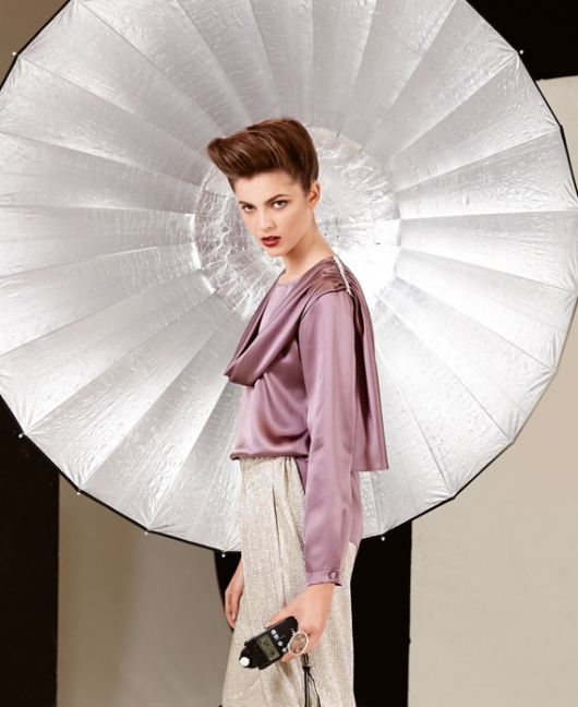 Блузка прямого силуету із шарфом