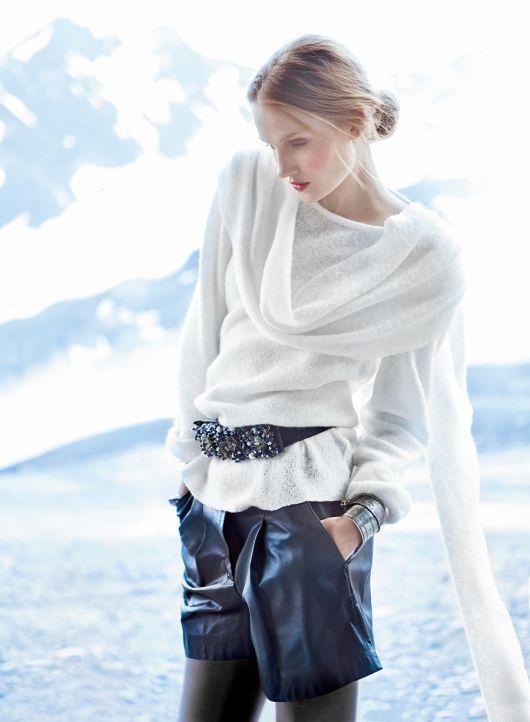 Пуловер прямого крою з імітацією шарфу