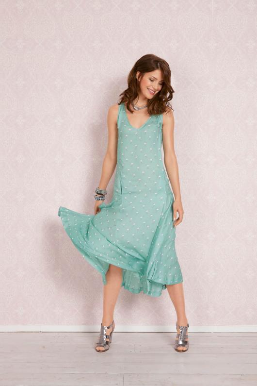 Сукня із заниженою талією без рукавів