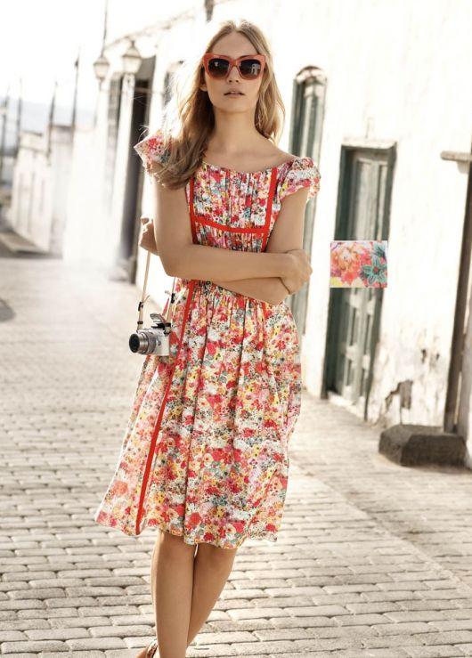 Сукня із міні-рукавами  реглан