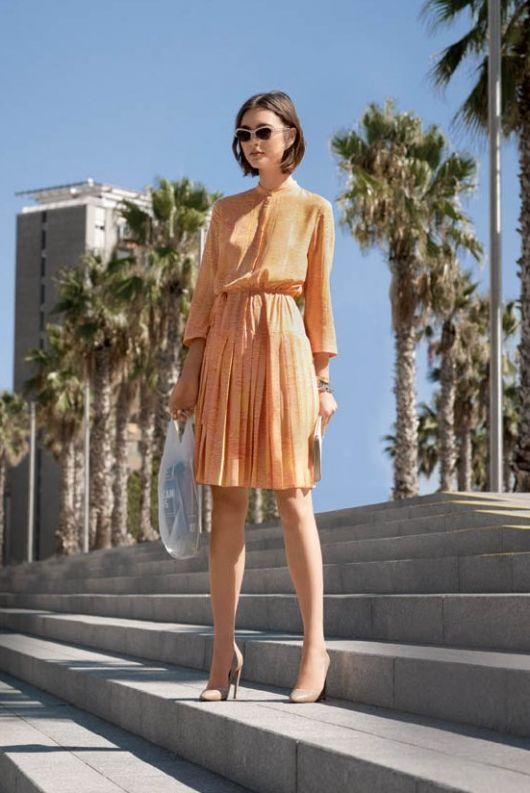 Сукня із відрізною спідницею плісе