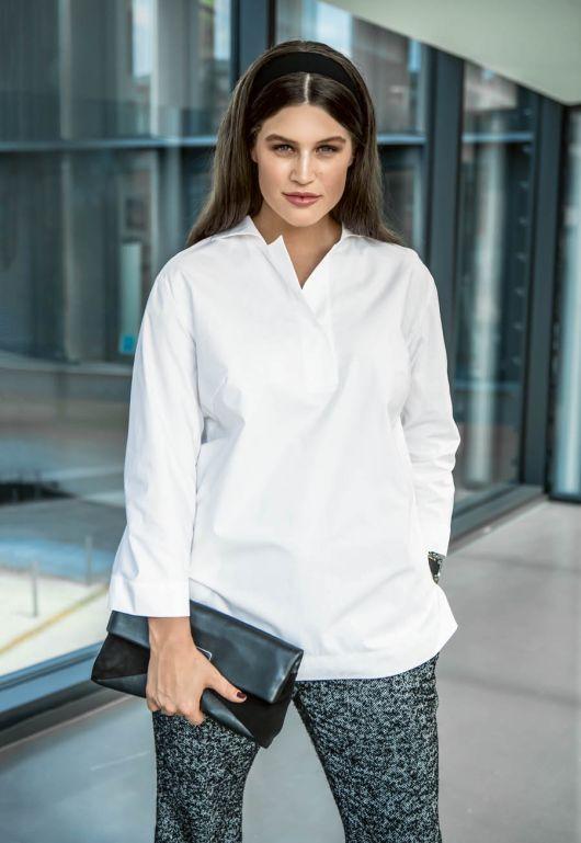 Блуза просторого крою із застібкою поло