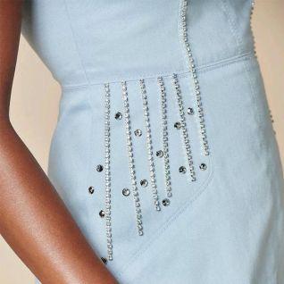 Як декорувати сукню ланцюжками зі стразами