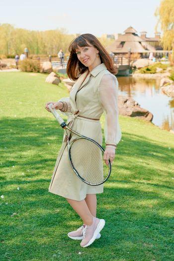 Сукня-тренч в стилі спорт-шик