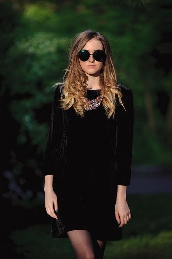 Маленька чорна сукня для донечки