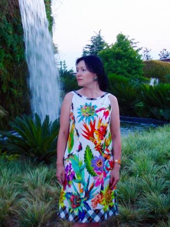 Тропічна сукня