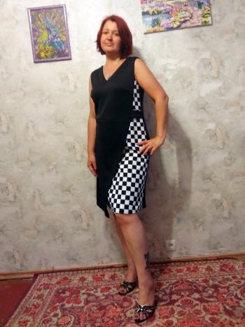 Сукня з чорно-білої колекції