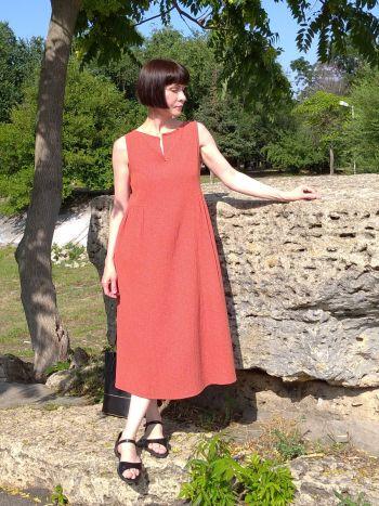 Теракотова сукня з мусліну