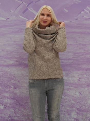 Вовняний пуловер