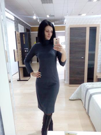 Сукня міді в горошок