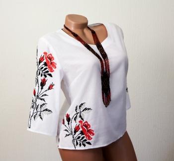 """Блуза с вышивкой """"Цветы шиповника"""""""