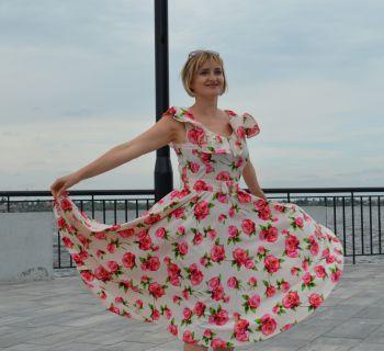 Сукня за мотивами 50-х