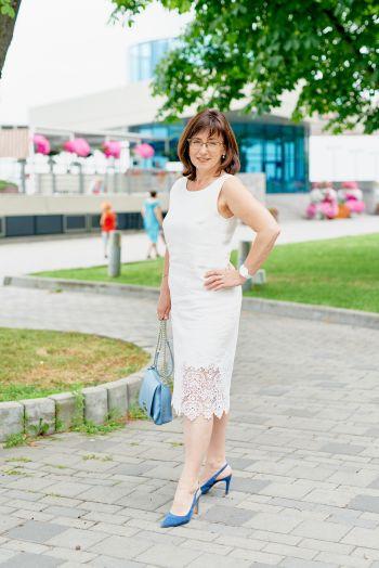 Біла зустріч Дніпровського клубу. Лляна сукня