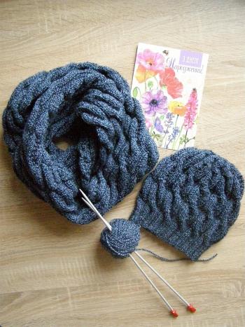 Шапка і снуд - теплий плетений комплект