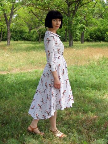 Сукня-сорочка з міні-шлейфом